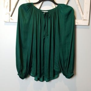 beautiful emerald green JLO blouse Large